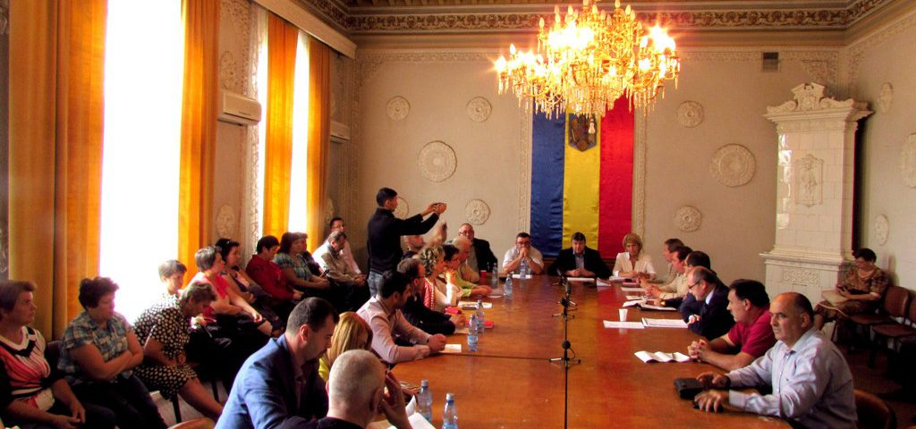 Video: Discuții tensionate în Consiliul Local pe tema maternității din Fălticeni